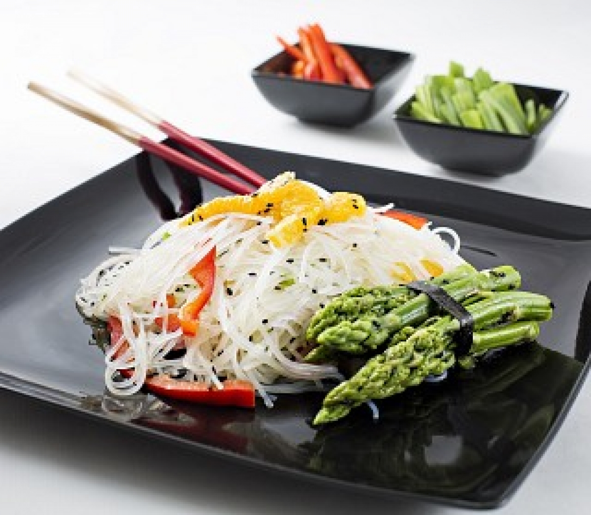 Glass Noodles With Green Asparagus & Peppers